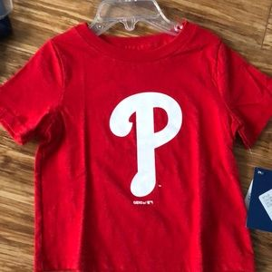 NWT Genuine MLB Philadelphia Phillies T-Shirt